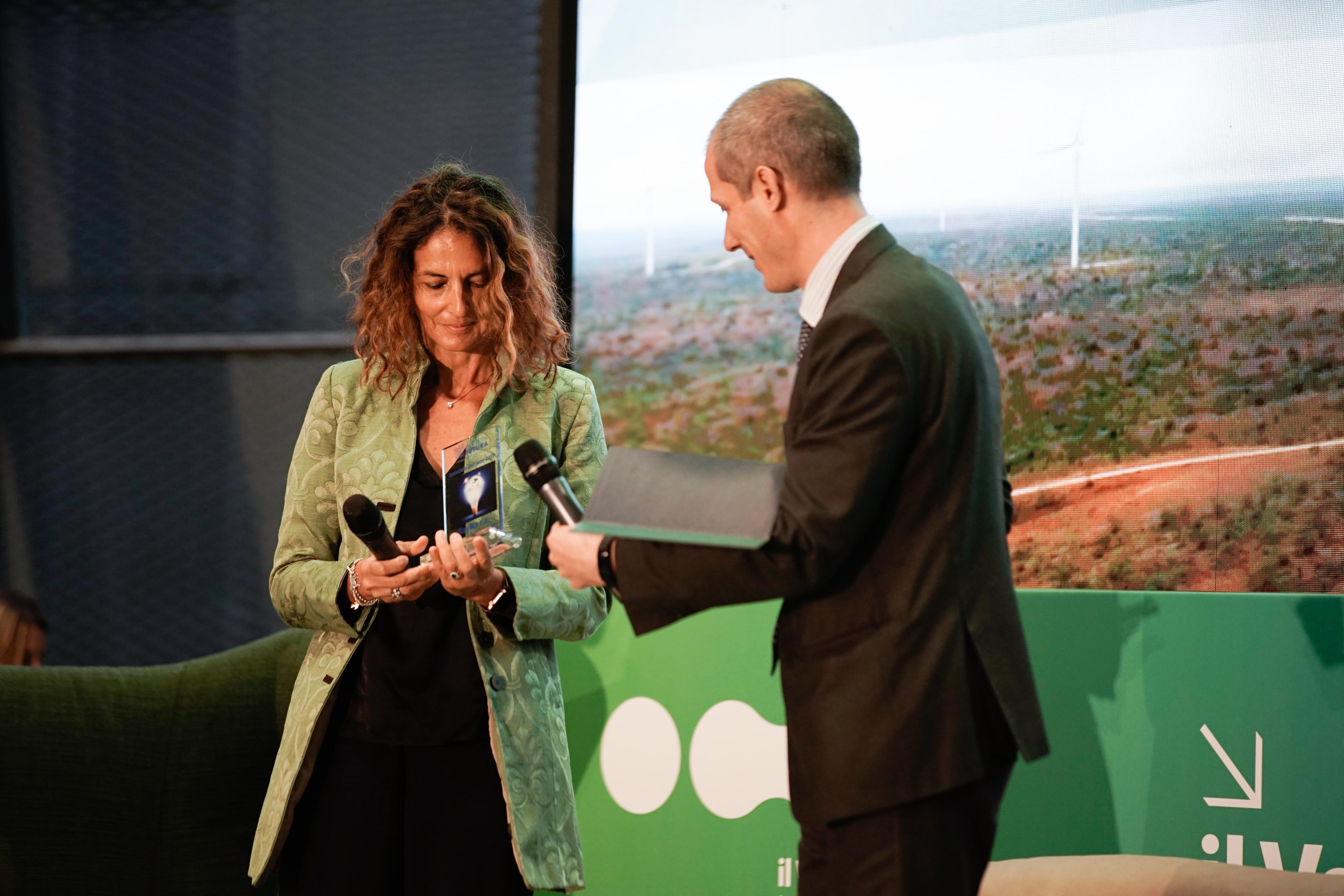 Alessandra Toschi, Managing Director di BayWa r.e. Italia, ritira il premio Associato dell'Anno
